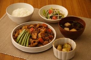4月13日根菜とひき肉のしぐれ煮